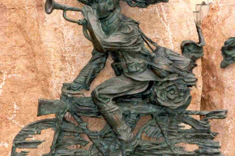 Vicenza, Largo Goethe, Monumento ai Bersaglieri