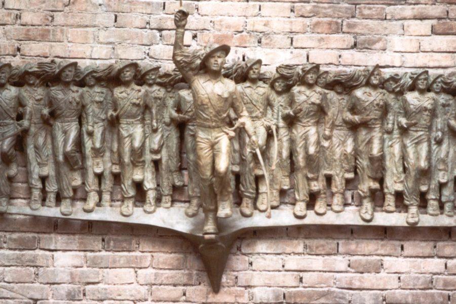 Senigallia, Palazzo Comunale, Monumento ai Bersaglieri
