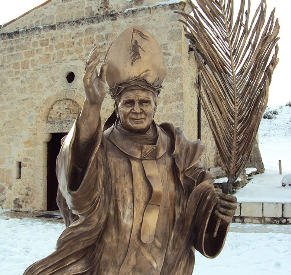 Scultura di Giovanni Paolo II